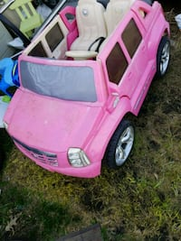 pink Cadillac ride-on toy car Edmonton, T5B 4E7