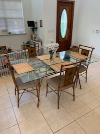 5-Piece Tommy Bahama / Florida Keys Style Dining set (table and chairs) Miami, 33133