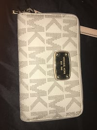 white and gray Michael Kors leather wallet Mississauga, L5N 2H9
