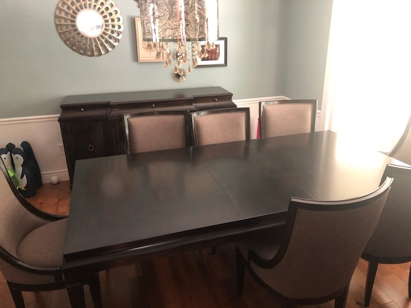 Dining room set 8e234d9e-7c19-453f-9923-b2039bd7dd68