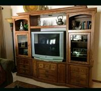 Excellent condition all oak entertainment unit Gresham, 97030