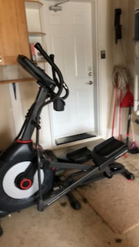 Black and gray elliptical trainer Oakville, L6H 6L3