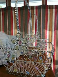 Two silver metal baskets with all colors of beads  Amarillo, 79106