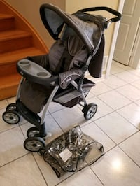 Chicco stroller with rain cover