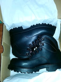 pair of black leather work boots with box Jacksonville, 72076