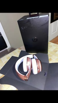 Beats solo 3 wireless rose gold Silver Spring, 20901