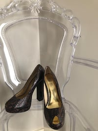 Michael Kors real snake skin pumps size 7 Calgary, T2X 0M7