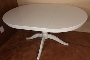 A very good table you can take it aparts it's only 75