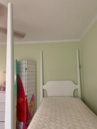 Twin bed and mattress Wilmington, 28409
