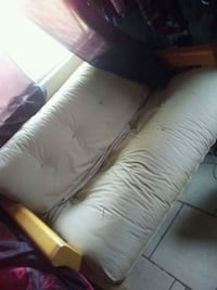 Couch /bed with footrest Bakersfield, 93307