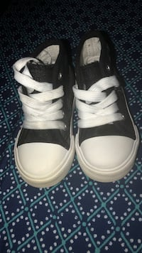 Pair of black-and-white high top sneakers Santa Ana, 92703