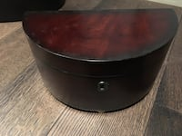 round brown wooden coffee table Vaughan, L4L 8X8