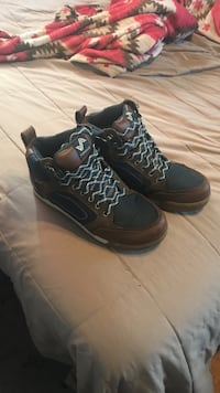 pair of black Nike basketball shoes Winchester, 22601
