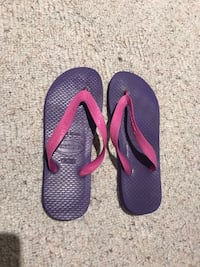 pair of purple flip flops Toronto, M3C
