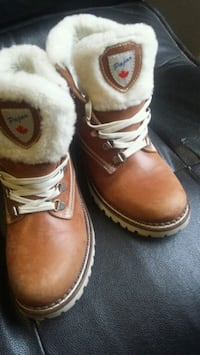 pair of brown leather work boots Edmonton, T6L 6J5