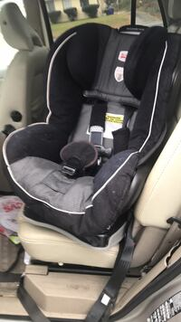 Baby's black and gray car seat carrier 48 km