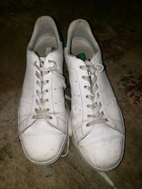 pair of white low top sneakers Surrey, V3X 1P3