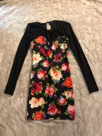 Guess Flower Dress with Black Mesh sleeves - XS Toronto, M5R 2W7