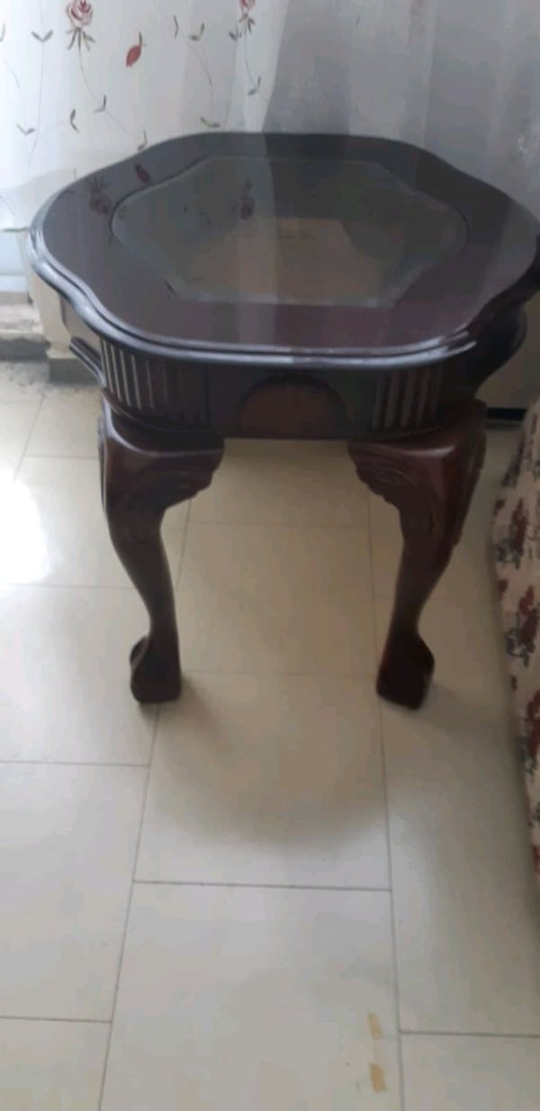 coffee table with 2 side table  bef66d8f-4c71-47f7-bf08-031646b8c505