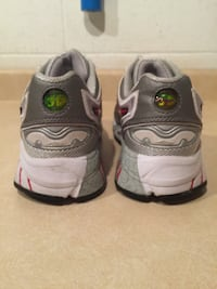 Women's Size 8.5 Saucony 3D Grid Arch Lock Running Shoes London