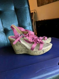 Pink wedge sandals sz9 Centreville