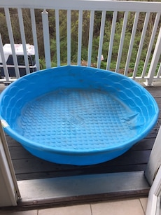Blue plastic swimming pool basin in star city letgo for Garden city pool jobs