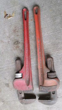 """18"""" pipe wrench. $10(1 left) Portsmouth, 23704"""