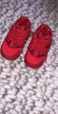 Nike baby shoes  Mississauga, L5G 3X7