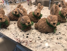 six brown bunny decors