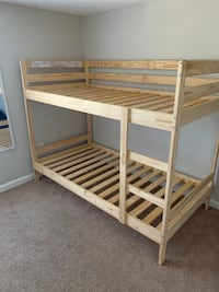 Bunk bed  Curtis Bay, 21226