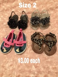 four pairs of assorted earrings 1483 mi