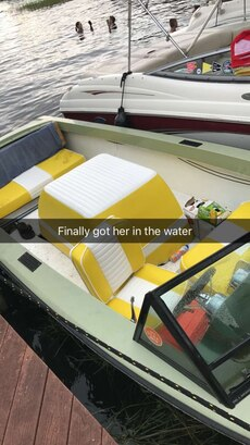 White and yellow motor boat in orlando letgo for Greenes boat and motor