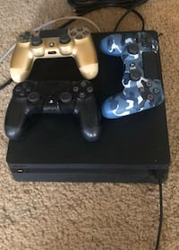 ps4 500gb 3 controllers