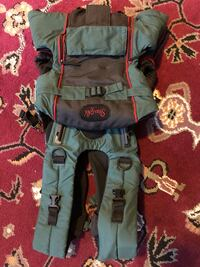 This Dark Green Snugli baby back or front facing carrier Toronto, M6J 2S2