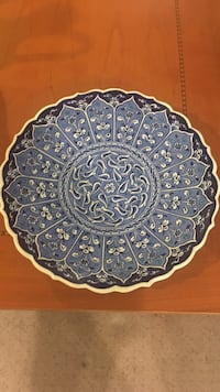 round white and blue floral decorative plate Reno, 89521