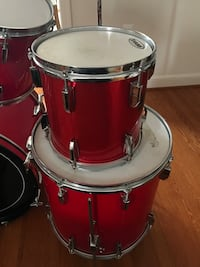 Pearl Evans Complete 8 Piece Drum Kit Red 34 km