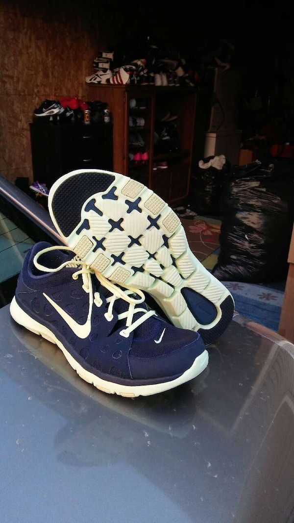 ead045333d8d Used Nike Shoes size 10 for sale in Columbus - letgo