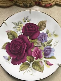 Beautiful ceramic plates for $10 Youngstown, 44512