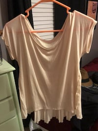 Women's beige scoop-neck t-shirt Fairfax, 22032
