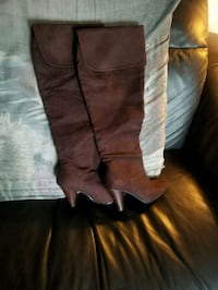 Women's knee high boots size 7 Merced