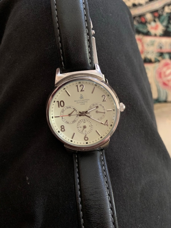 Fancy Automatic watch with clear back 4f5a8310-21c4-4ed9-bf5c-c20c767cf2a6