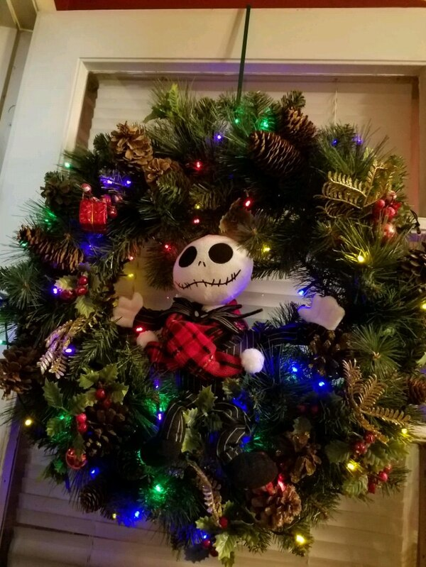 Used Nightmare Before Xmas Wreath For Sale In Dunellen Letgo