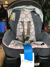 Baby's gray and black car seat carrier Brandon, 39042