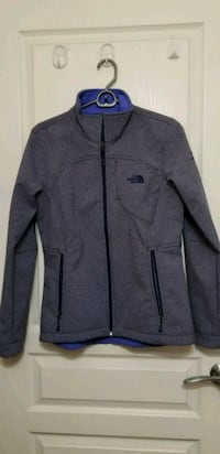 BNWOT The North Face jacket (womens) Burnaby