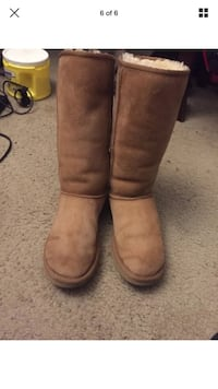Uggs Tall Classic Rockville, 20850