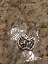 14k gold chain and pendant
