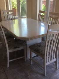 Solid oak kitchen table with 6 chairs  Richmond Hill, L4E 3T3