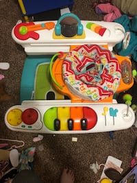 Activity center Fisher Price  Bakersfield, 93304