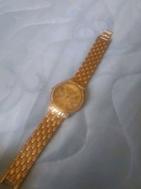 round gold analog watch with gold link bracelet Modesto, 95351