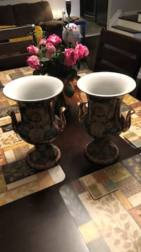 Two matching decorated urns. Price is for both  Waldwick, 07463